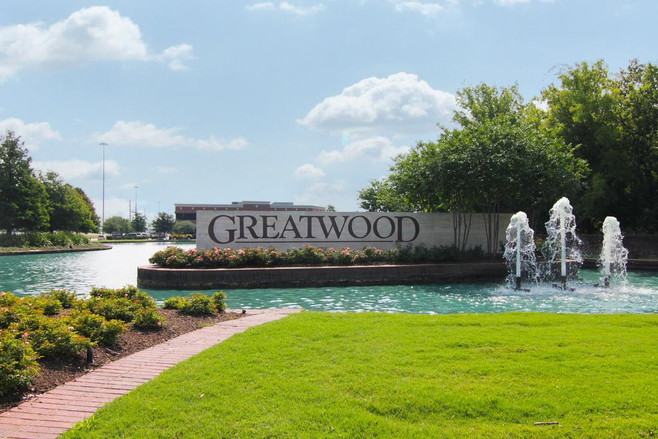 Greatwood Fountains 01.jpg