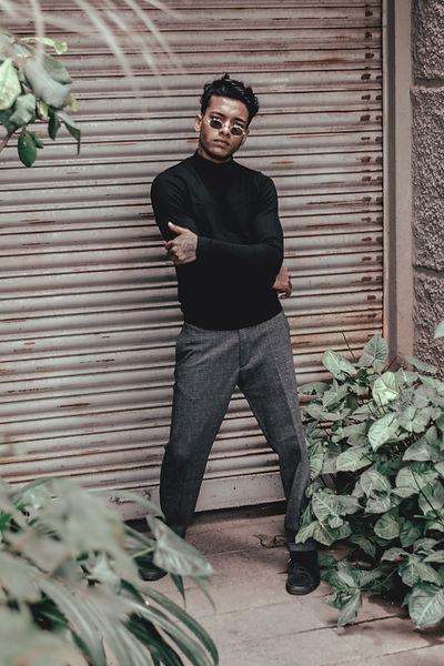 all-black-fashion-grunge-indian-model-28