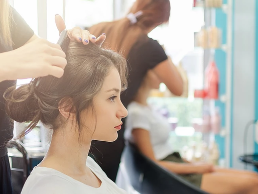 A Comparison between Cosmetologists and Estheticians