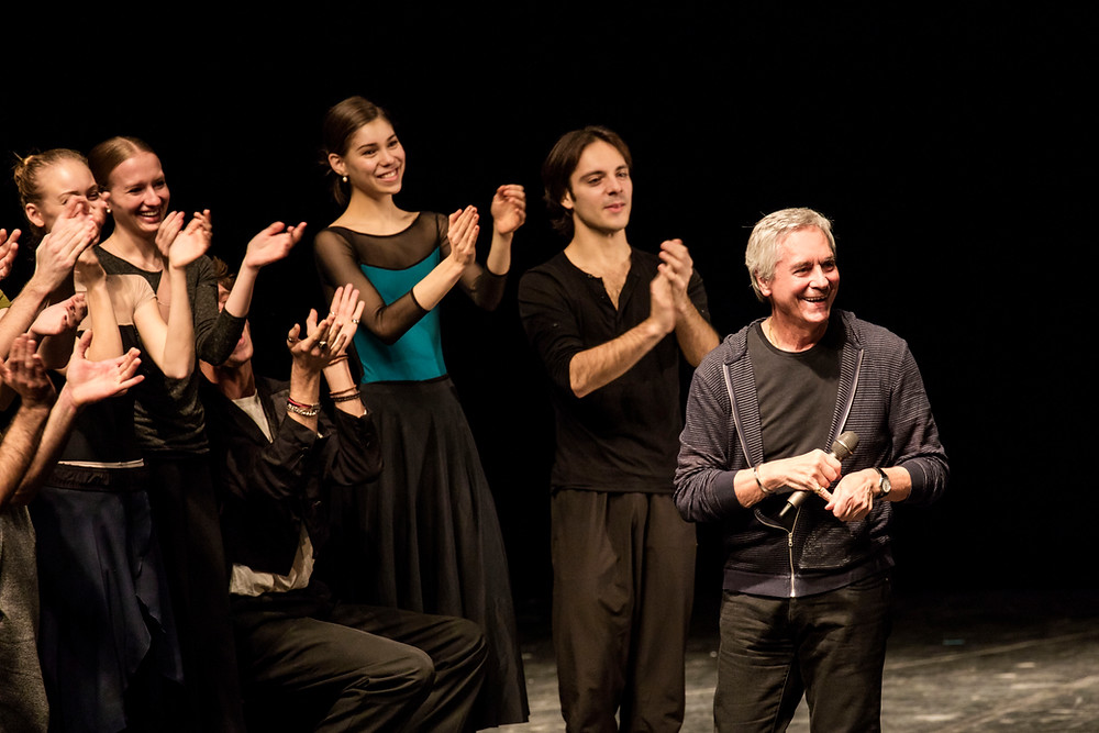 「バレエ・ワークショップ」でのノイマイヤー。2015年にはモーリス・ベジャールも選ばれた「京都賞」の思想・芸術部門を受賞した ©Kiran West
