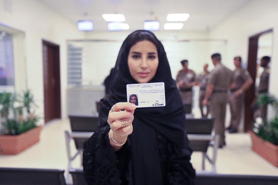 今年6月、10名の女性に免許証が発行された。サウジアラビア史上初のことだ(C)AL Jazeera Media Network