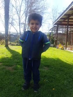 Mateo López feliz con su chaleco