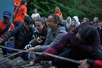 feu de camp dans un camp de vacance au québec