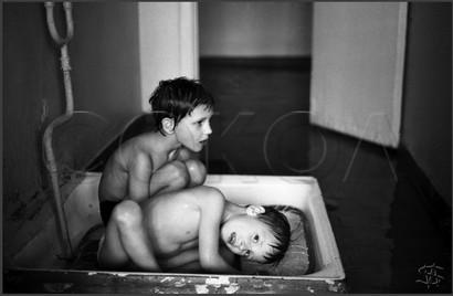 Купание в душевом поддоне. Бассейн «Витязь». 4.04.1981