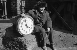 Электрослесарь на коксовой батарее. КМК. Новокузнецк. 1980