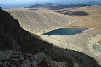 Группа озер под горой Сарлык. Горный Алтай