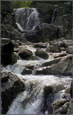 Водопад на ручье Высокогорном.  Поднебесные Зубья. Хакасия