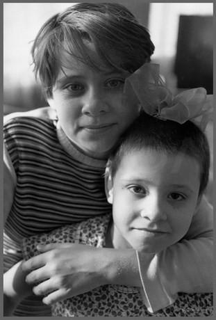 Женя и Марина - портрет сестер. 30.03.1987