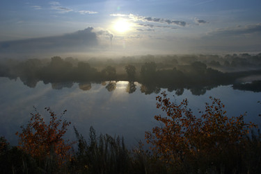 Осеннее утро в долине Томи. Восход солнца над Запсибом. Новокузнецк. 13.09.2009