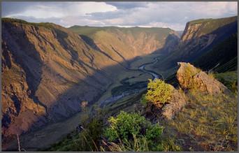 Перевал Катуярык. Закат над Чулышманом. Горный Алтай