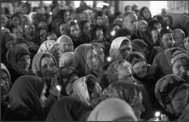 Пасхальное богослужение. Крестный ход со свечами. 15.04.1985