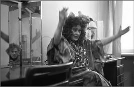 Разговор в гриммерке театра после детского спектакля. Гортеатр. 29.11.1980.