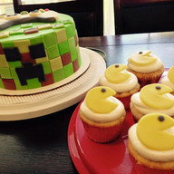 Minecraft and Pacman inspired cupcakes
