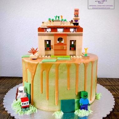 Minecraft Drip Cake