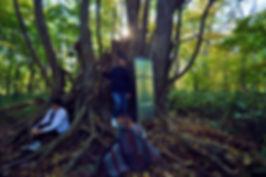 アーティスト写真・巨木のある風景・粘菌の森・スチームパンク・ポンチョ・ドクターマーチン白・蟲使い