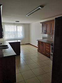 Amplio y lujoso apartamento en renta en zona 15