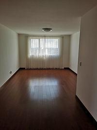 Exclusivo y muy amplio apartamento en renta en zona 15