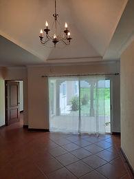 Se renta hermosa residencia en Casa y Campo