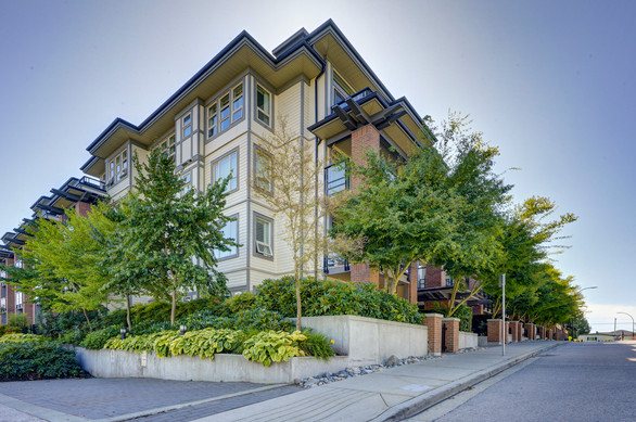 211-738 E 29th Vancouver-1.jpg