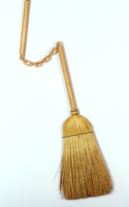 broom_web.jpg