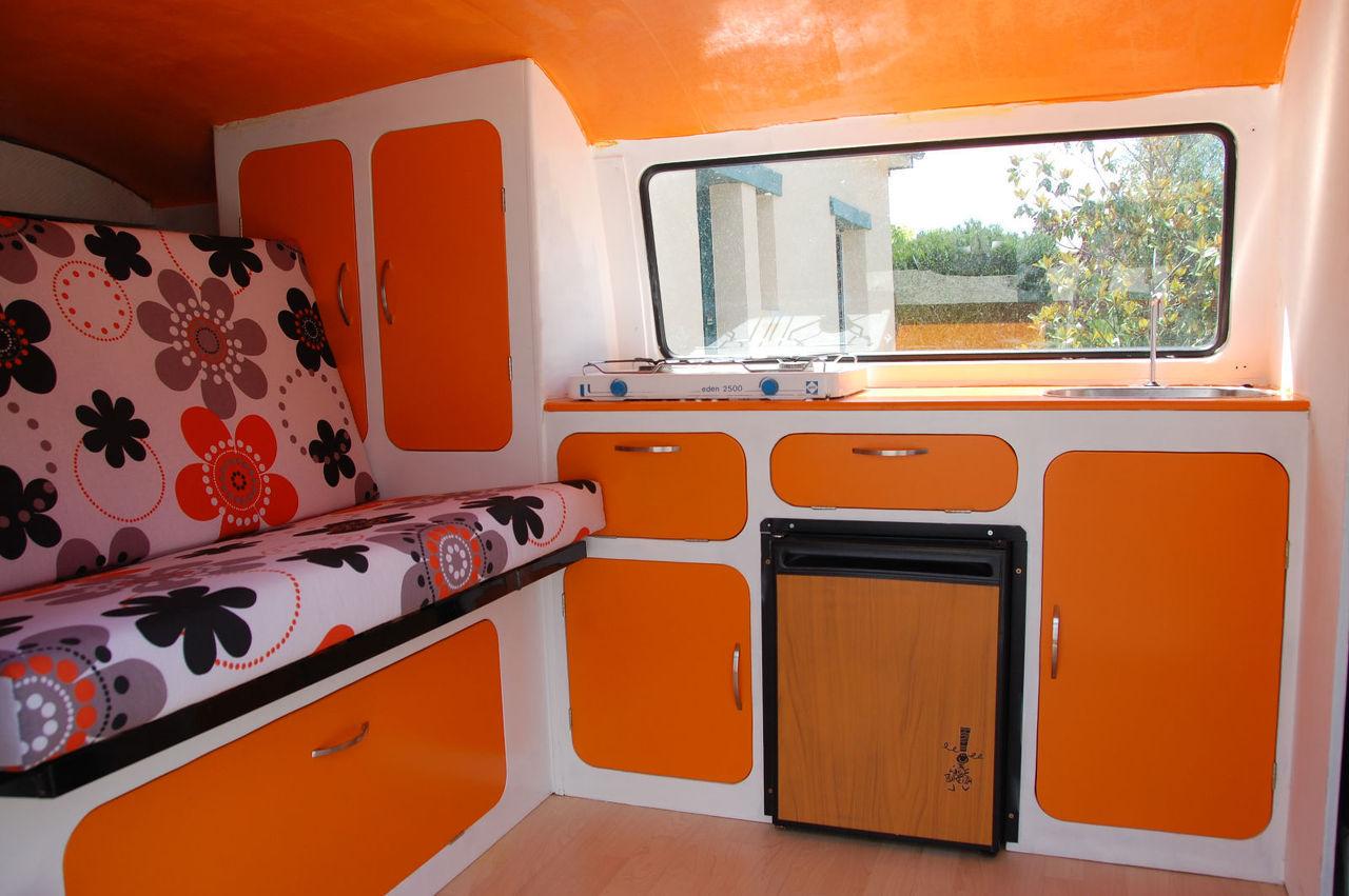travel camper location de vans am nag s. Black Bedroom Furniture Sets. Home Design Ideas