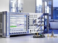 RohdeSchwarz-CMW_Bluetooth_tester.jpg
