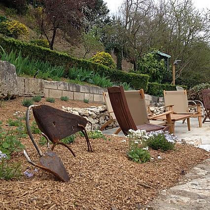 Les oeuvres de Ludo dans les jardins du Mas Charentais