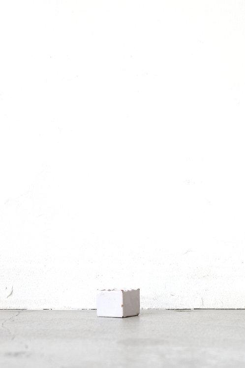 白錫釉白粉容物