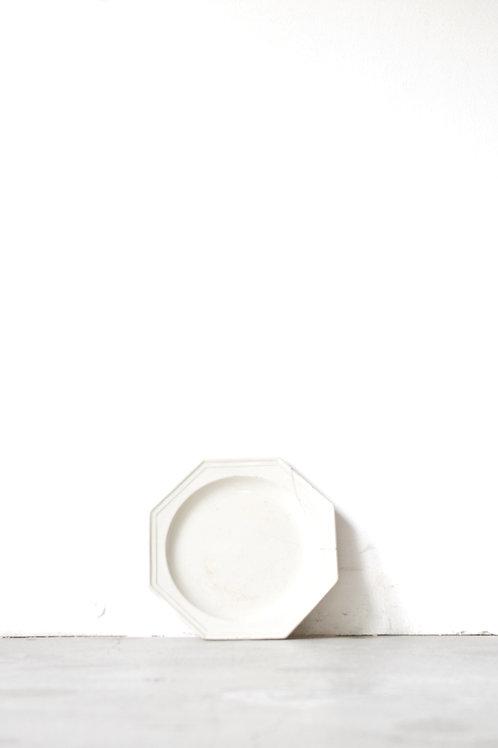 白釉八角皿