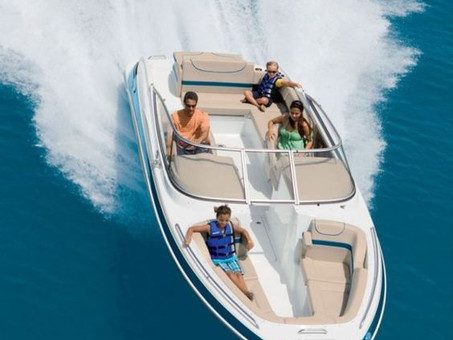 Savoir vivre at Anchor - Boat Rental, Miami