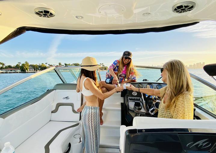Yacht - Aquarius Boat Rental Best Boat T