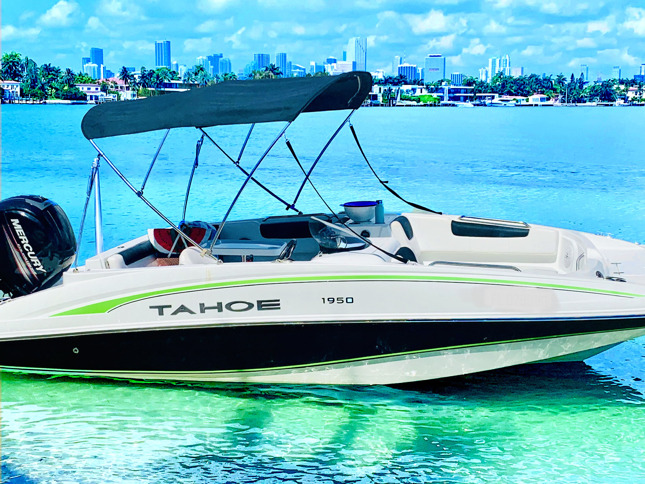 Tahoe - Amazing Tahoe Boat for Rent Miam