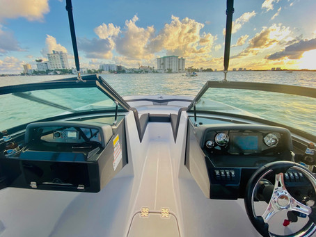 Spend the day on Boat Tours in Biscayne Bay, Miami