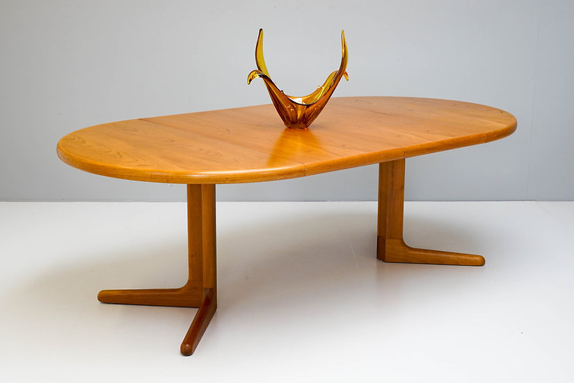 Danish Circular Extending Table