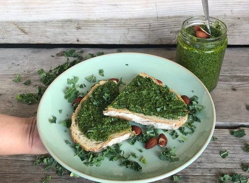 Toast met boerenkool pesto