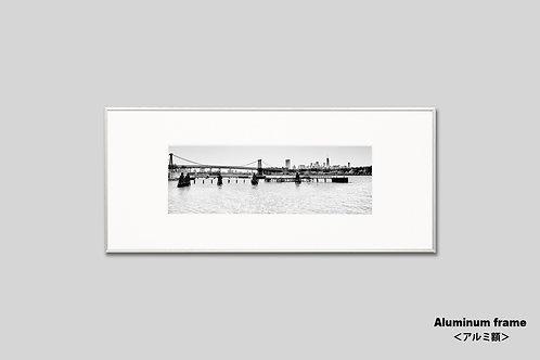 ニューヨーク,ウィリアムバーグブリッジ,橋,インテリア,写真,風景,マンハッタン,インテリアフォト,アート,額入り,額装,モノクロ,横長,アートフレーム,フォトフレーム,おしゃれ,モダン,プレゼント,壁掛け,ウォールアート,新築祝い