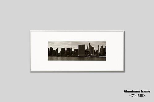 ニューヨーク,インテリア,写真,マンハッタン,摩天楼,ビル群,インテリアフォト,横長,アート,都会,額入り,額装,オリジナルプリント,アートフレーム,フォトフレーム,おしゃれ,モダン,プレゼント,壁掛け,壁飾り,ウォールアート,新築祝い