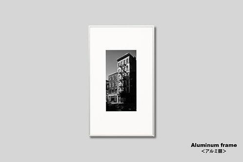 ニューヨーク,インテリア,写真,風景,マンハッタン,グリニッジビレッジ,ビル,インテリアフォト,アート,額入り,額装,モノクロ,オリジナルプリント,アートフレーム,フォトフレーム,おしゃれ,モダン,プレゼント,壁掛け,ウォールアート,新築祝い