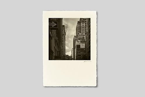 写真,ニューヨーク,インテリア,手漉き和紙,マンハッタン,ビル,風景,都会,看板,街並み,ポスター,インテリアフォト,大きいサイズ,額装,正方形,和室,オリジナルプリント,アート,フレーム,おしゃれ,モダン,壁掛け,壁飾り,プレゼント