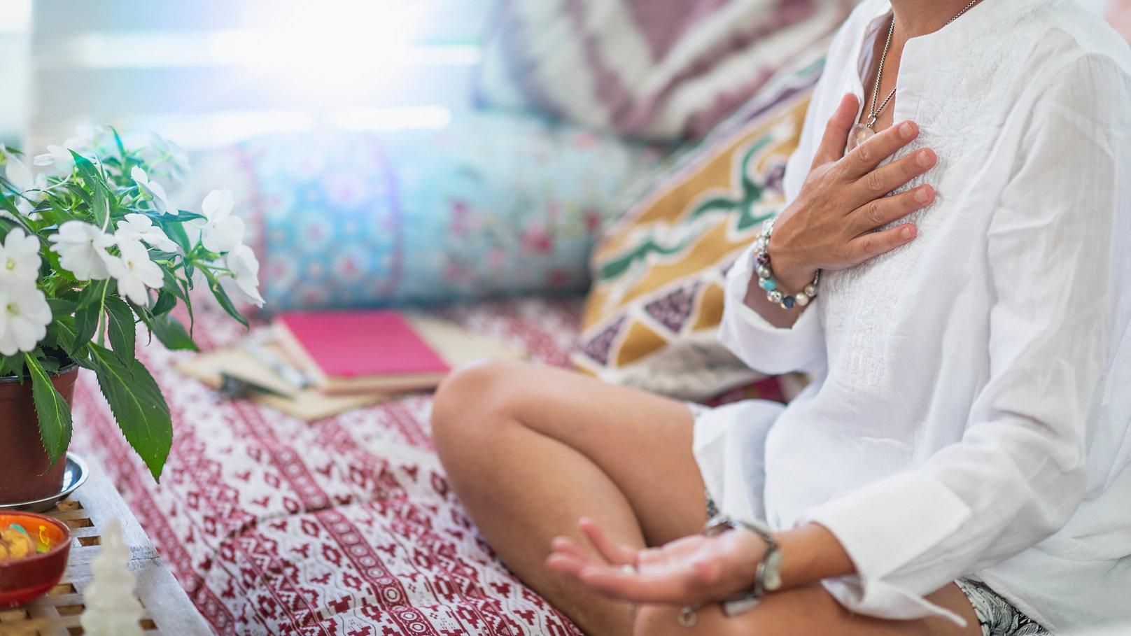 Self-Healing Heart Chakra Meditation. Wo