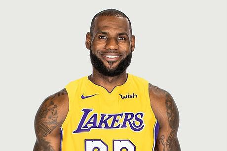 Lebron Lakers.jpg