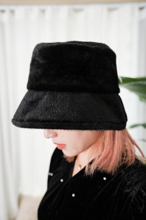 [售罄] 質感人造毛皮Bucket Hat (黑色)