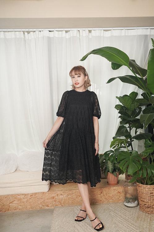 [預訂] 點點花邊層層拼接入膊泡泡袖蕾絲裙(黑色)