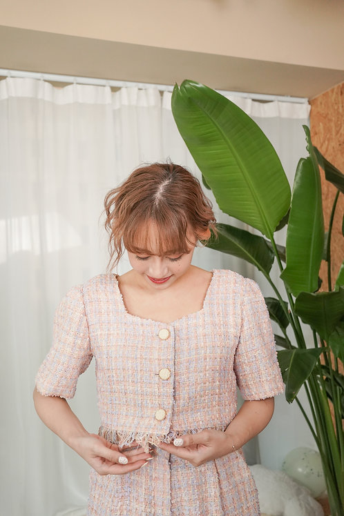 [預訂] 春夏粉嫩超美襯色Tweed開扣流蘇下擺上衣肩墊可拆(粉紅襯色)