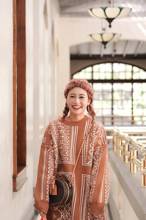 [預訂] 啡白花紋厚針織連身裙
