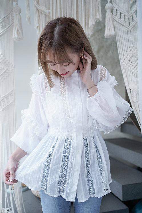 [預訂] 透膚薄長袖拼接細緻蕾絲花邊內收腰上衣