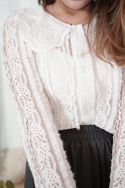[預訂] 通花娃娃領細毛毛花邊拼接蕾絲上衣(白色)
