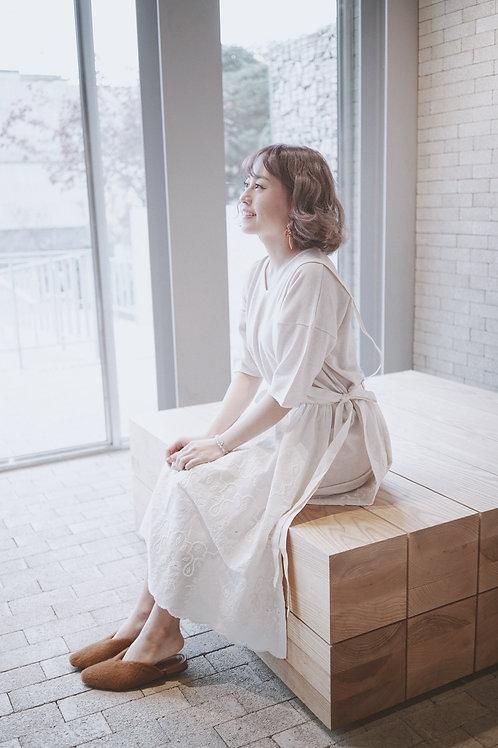 [現貨賣光不補] 森林系刺繡綁蝴蝶結吊帶半裙(不連針織打底)