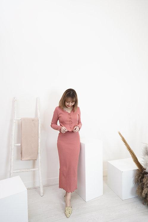 [現貨賣光不補] 顯瘦彈性羅紋V領開鈕外套上衣長裙套裝(粉橙紅色)