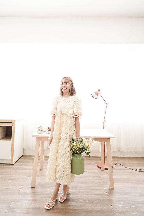 [現貨賣光不補] 舒適可愛森系泡泡通花刺繡連身裙(淺黃色)